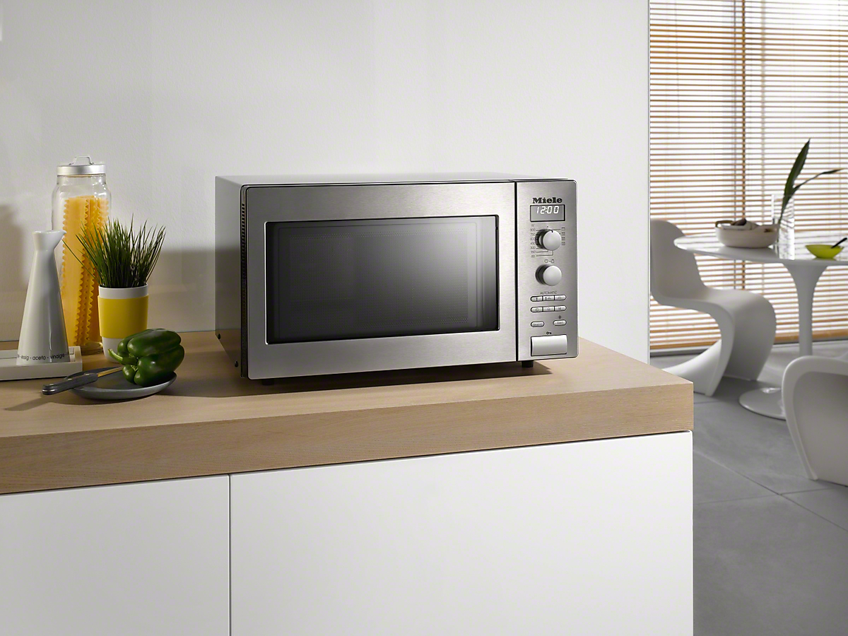 Miele M 6012 Sc Freestanding Microwave Oven
